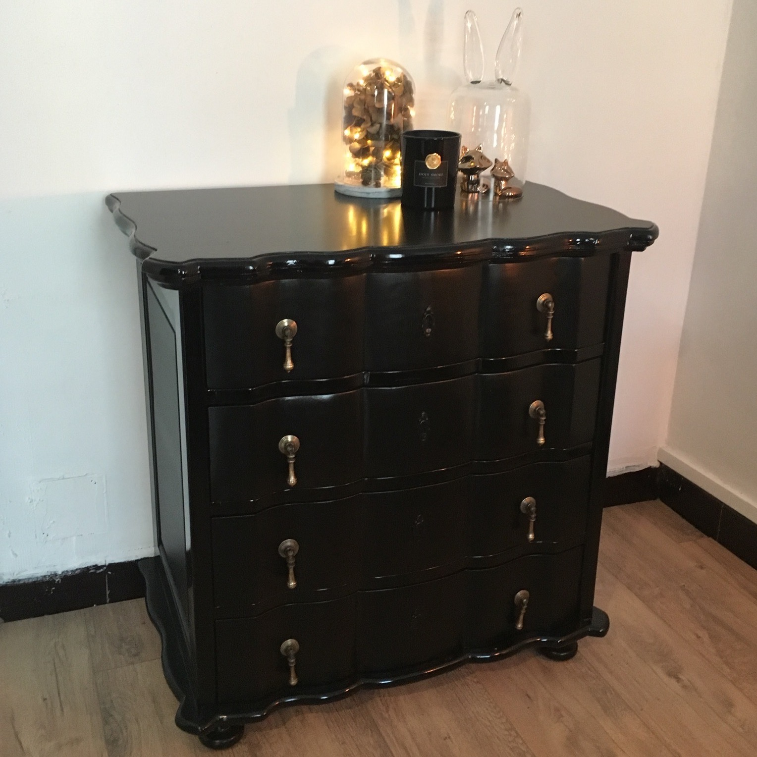 relooker une commode cool prfrence relooker meuble pin patine sur meuble en pin vernis with. Black Bedroom Furniture Sets. Home Design Ideas